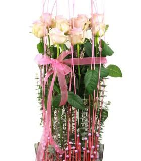 Composició Lineal amb Roses Rosades